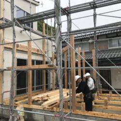 増築工事の棟上げ